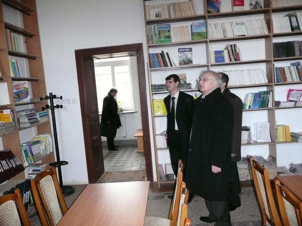 Ivan Vakarchuk in the Institute
