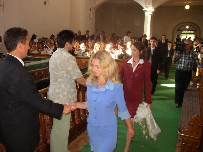 Tanévnyitó 2004-ben a beregszászi Református Templomban